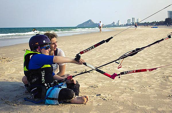 kitesurfing lessons hua hin